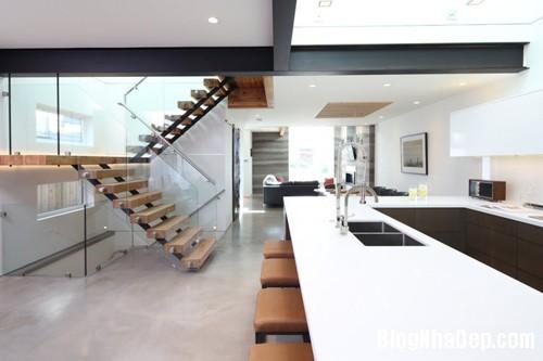 1402112358 8 Ngôi nhà 3 tầng hiện đại ở Vancouver
