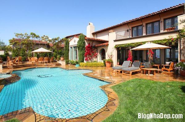 20140609041450440 Làm đẹp cho hồ bơi tại nhà