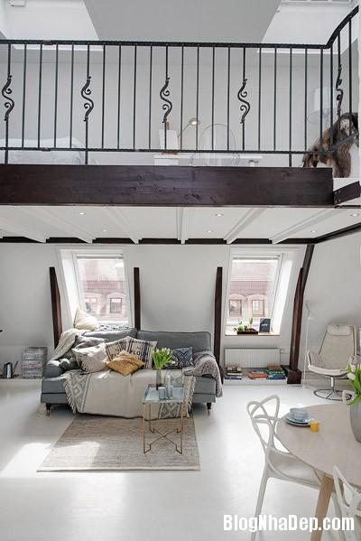 20140624112133 image004 Không gian trắng tinh trong căn hộ gác mái ở Thụy Điển