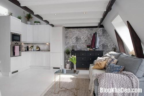 20140624112133 image008 Không gian trắng tinh trong căn hộ gác mái ở Thụy Điển