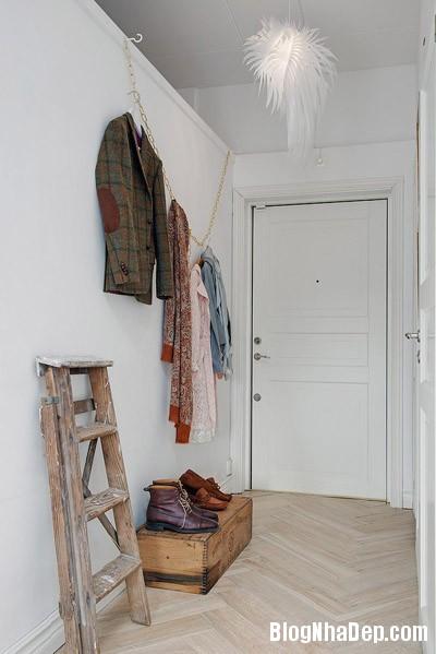 20140624112133 image010 Không gian trắng tinh trong căn hộ gác mái ở Thụy Điển