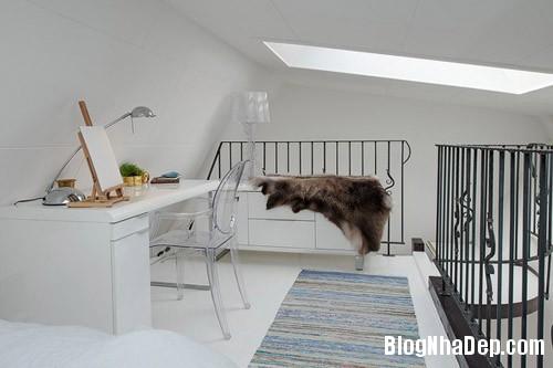 20140624112133 image017 Không gian trắng tinh trong căn hộ gác mái ở Thụy Điển