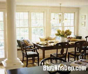 Phòng ăn với những ô cửa rộng tạo cảm giác thông thoáng Bài trí không gian phòng ăn nhỏ hẹp