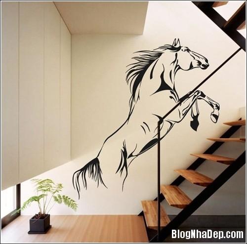 Untitled 1 8562 1401778370 Trang trí cho bứa tường cạnh cầu thang