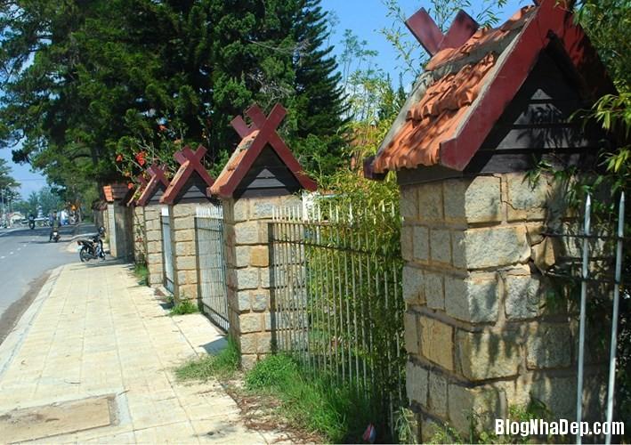 file 00414 Những bờ rào đẹp mộng mơ của Đà Lạt