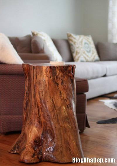 file 0074 Bàn ghế không đụng hàng từ những khúc gỗ bỏ đi