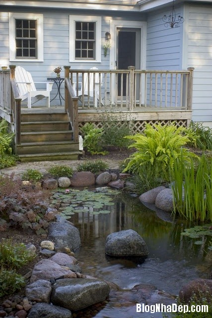 file 01211 Bài trí ao nước róc rách cho khu vườn