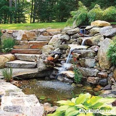 file 01412 Bài trí ao nước róc rách cho khu vườn