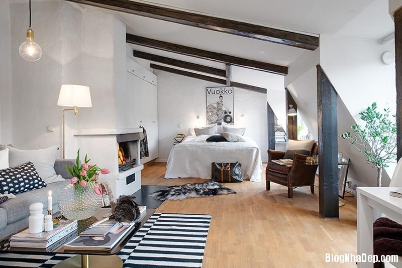 gac mai 8 9c3b6 Căn hộ áp mái với dầm gỗ và nội thất vô cùng quyến rũ