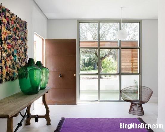 httpwwwdigsdigscomphotosfreshandmodernhousewithlotsofcolor3554x443jpg Ngôi nhà quyến rũ mang đậm phong cách Pháp