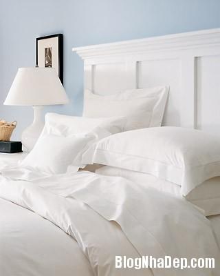 phong ngu mang mau trang tinh khiet Tăng hương vị nồng nàn cho phòng ngủ vợ chồng