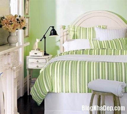 qh 20091016 nd 47 Phòng ngủ mùa hè thêm mát với họa tiết kẻ sọc