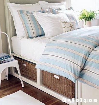 qh 20091016 nd 48 Phòng ngủ mùa hè thêm mát với họa tiết kẻ sọc