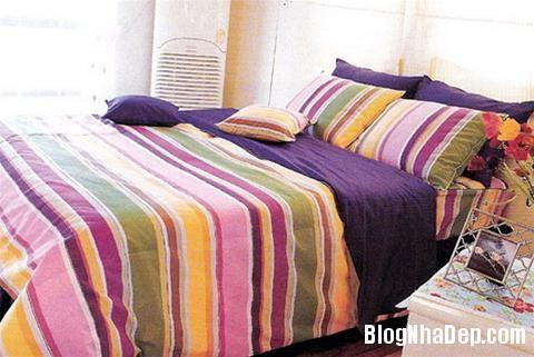 qh 20091016 nd 54 Phòng ngủ mùa hè thêm mát với họa tiết kẻ sọc