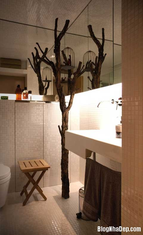 small space bedroomb1 Closet House   Căn hộ nhỏ bé được thiết kế thông minh