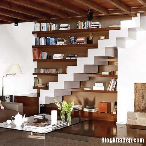 094926baoxaydung image005 Trang trí cho bức tường cầu thang trở nên sinh động