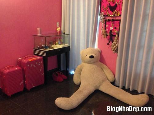 1403775267 miule eva2 Phòng ngủ màu hồng trẻ trung của ca sĩ Miu Lê