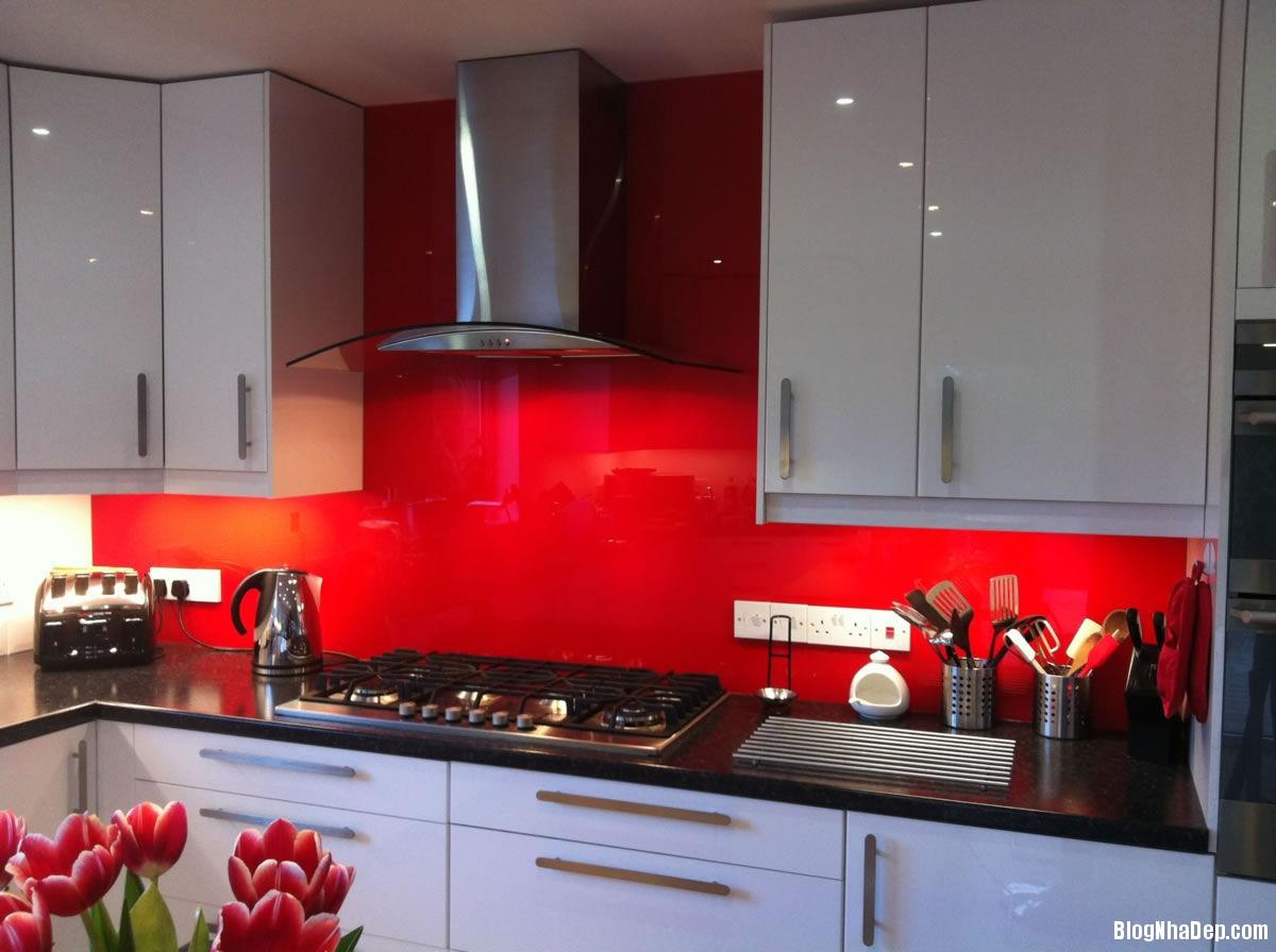 20140717032449193 Sử dụng kính cường lực in hình trong thiết kế bếp hiện đại