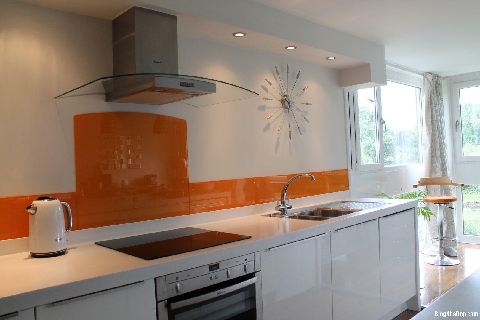 20140717032450441 Sử dụng kính cường lực in hình trong thiết kế bếp hiện đại