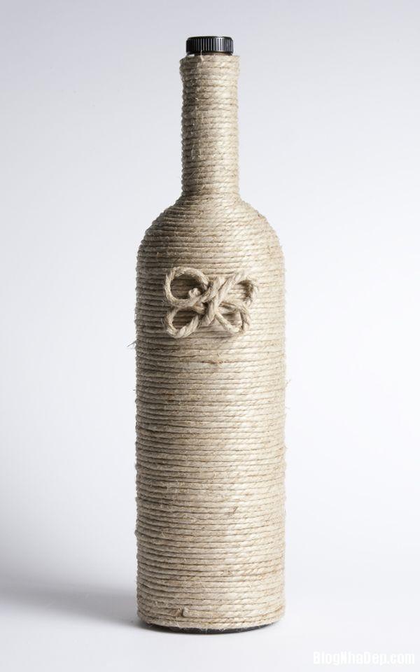 bottle 4 1401374919 Khéo tay tận dụng chai lọ cũ làm đồ trang trí