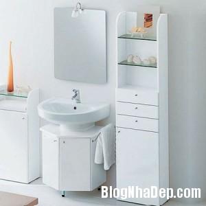 phong tam su dung guong1 300x300 Chọn nội thất đẹp cho phòng tắm nhỏ