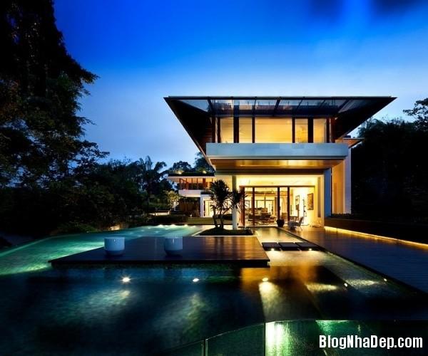 2747de41014689ffb75893ac44a4a1ad Ngôi nhà 2 tầng sang trọng ở Singapore