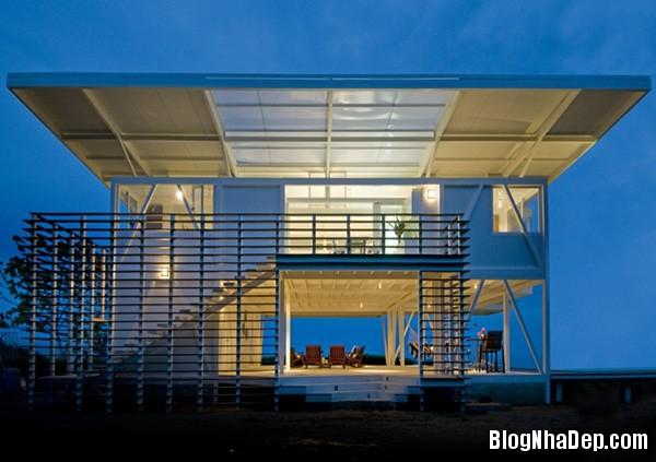 14b29b53749eff867afa6be2fa1f9da7 Ngôi nhà với kiến trúc tối giản này ẩn mình giữa thiên nhiên hùng vĩ, xanh mát
