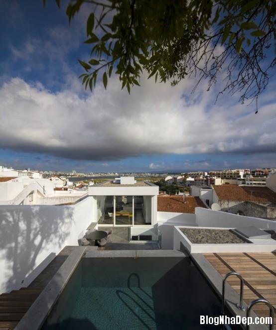 4662e0ae9e44e18ef7f3df5b4cae0544 Ngôi nhà mang hình khối độc đáo, lạ mắt ở Portugal