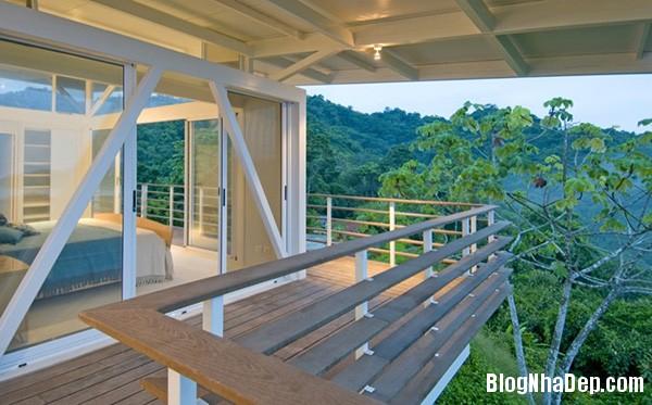 4aaf021fd392ca180a03eee403c7731b Ngôi nhà với kiến trúc tối giản này ẩn mình giữa thiên nhiên hùng vĩ, xanh mát
