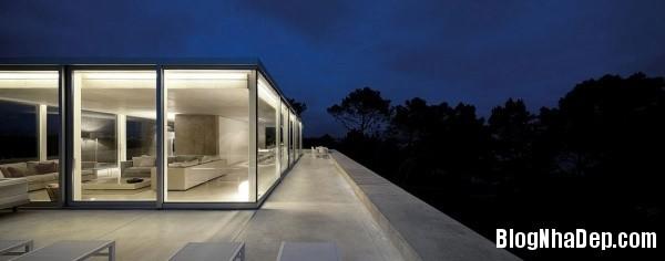 7ce2bff82ed7a5e889235266638e3dbc Ngôi nhà RAINHA khá sang trọng mang phong cách tối giản ở Portugal