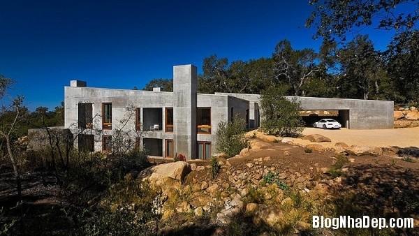 9e187f5ed0095c626648e2bc1a4a1240 Ngôi nhà với kiến trúc độc đáo nằm giữa thiên nhiên hùng vĩ của vùng Toro Canyon, California