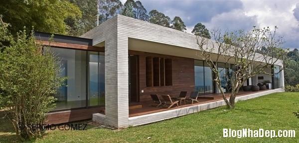 a011eabf50a1131b1d5466623935ddcb Ngôi nhà ấn tượng với vị trí nằm cheo leo ngay bên sườn đồi xanh mát của vùng Medellin, Colombia