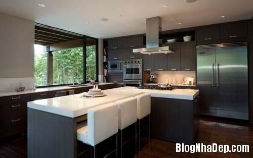 4d9603b985848aee324973412d8a25c8 Ngôi nhà hiện đại Compass Pointe nằm giữa vùng rừng xanh tại Whister, Canada