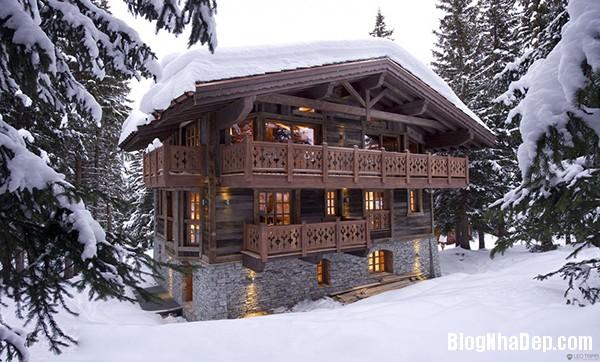 536390e61497a239d98ba747bc640ad4 Ngôi nhà gỗ ấm áp trên đỉnh Alps tuyết trắng