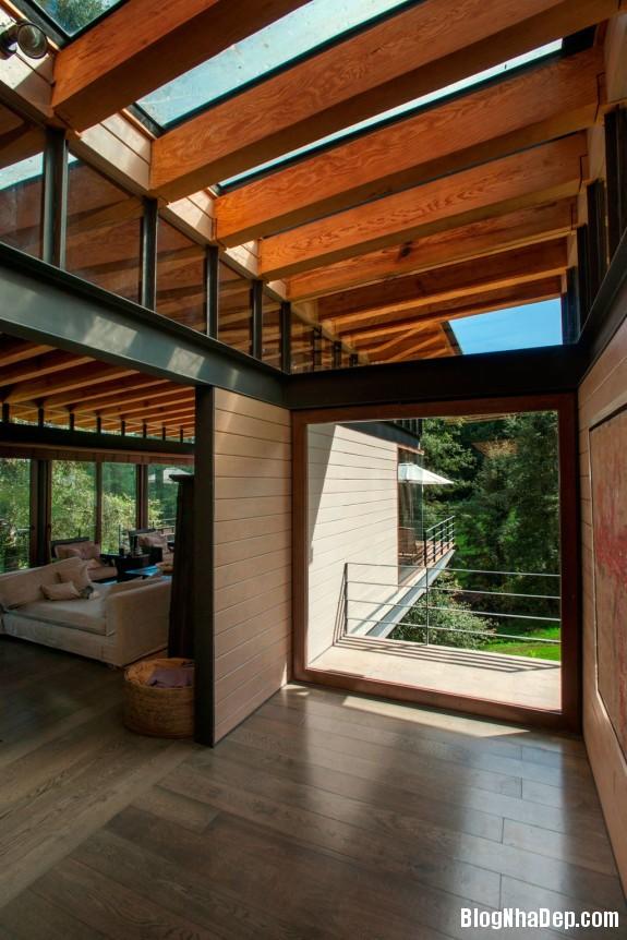 568ca93748f1cae31992b93d89cfaa91 Ngôi nhà gỗ thoáng mát tiện nghi nằm giữa rừng