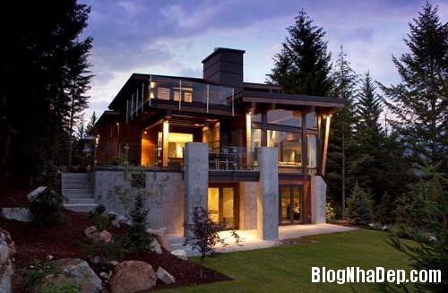 7a661c3cfea18f2107c4736026ea8c64 Ngôi nhà hiện đại Compass Pointe nằm giữa vùng rừng xanh tại Whister, Canada
