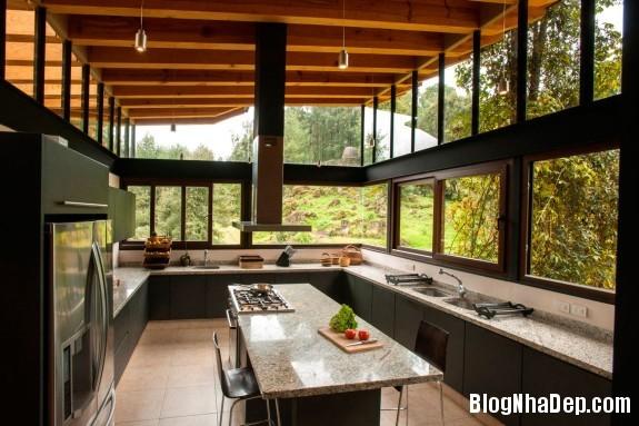 b15c90e1e40dc0d962b53f092534b48b Ngôi nhà gỗ thoáng mát tiện nghi nằm giữa rừng