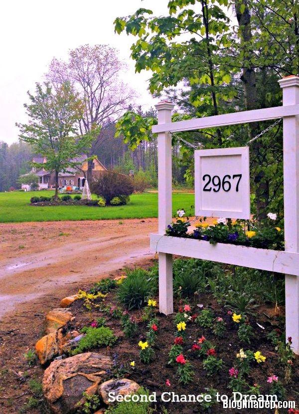 cd98ab52bd8e7d3920f61d02fb799f8d Tận dụng đồ cũ để trang trí cho vườn nhà thêm ấn tượng