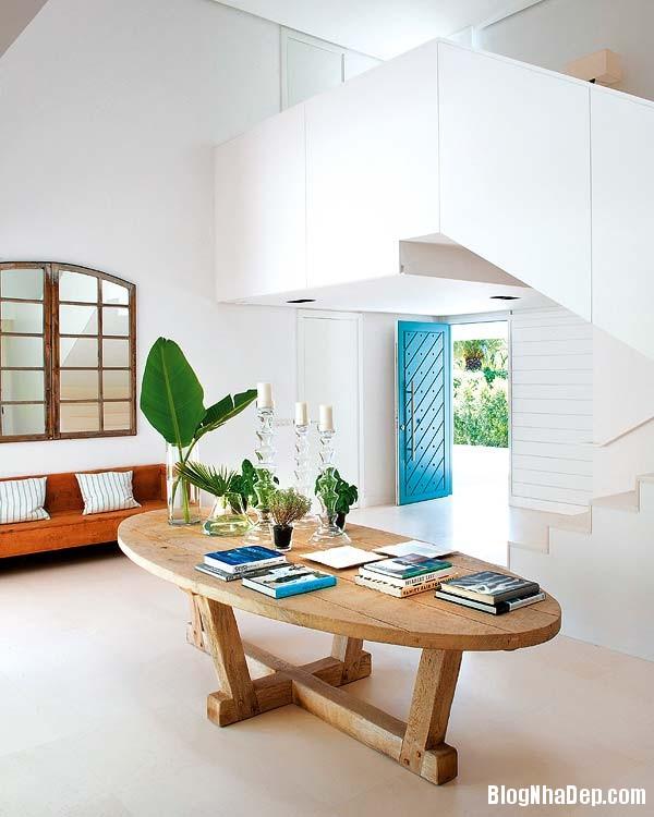 e1304c46fcf6b6c3f0f46677d53bea50 Ngôi nhà xinh đẹp mix tông màu tươi sáng cùng với nội thất gỗ