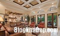 374126 a Mẫu phòng khách truyền thống có thiết kế trần nhà chia ô