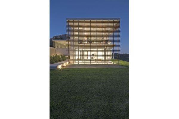 aebd086d5bfe5316eade4c9a50086e8d Ngôi nhà Beau Constance Residence với thiết kế thanh lịch và tinh tế