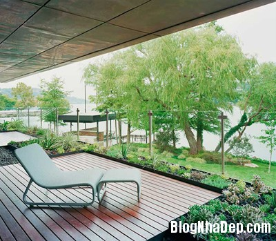 d9aeeab550b59a800ccb74b720e38d1c Ngôi nhà vô cùng xinh đẹp nằm bên hồ nước hiền hòa