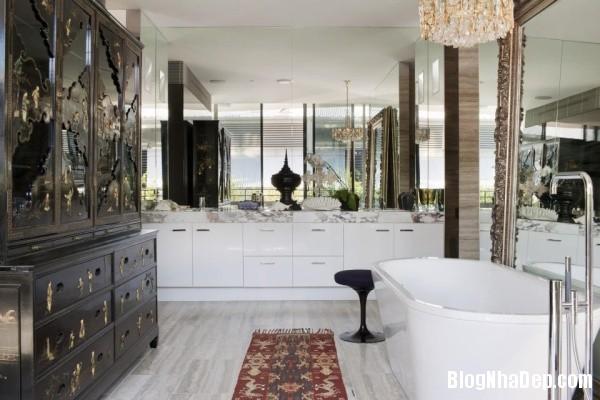 b82a5e2742b6b7d98db697cb9dbb200b Những chiếc bồn tắm được thiết kế sang trọng với sắc trắng tinh khôi