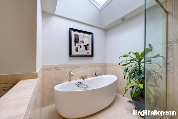 b98d4fe68956fd9bba62c70988729edf Những chiếc bồn tắm được thiết kế sang trọng với sắc trắng tinh khôi