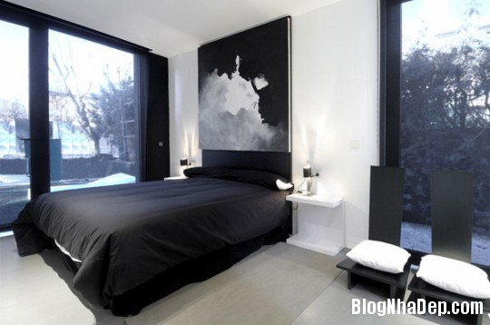fe5cf226a96a79dba5548cba9d3e939c Ngôi nhà độc đáo với sắc đen bên ngoài và nội thất trắng bên trong