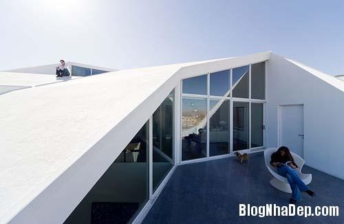0fbc6829724a55f45e03f28d2fd8885a Ngôi nhà với kiến trúc khá lập dị giữa lòng sa mạc bỏng rát của Mexico
