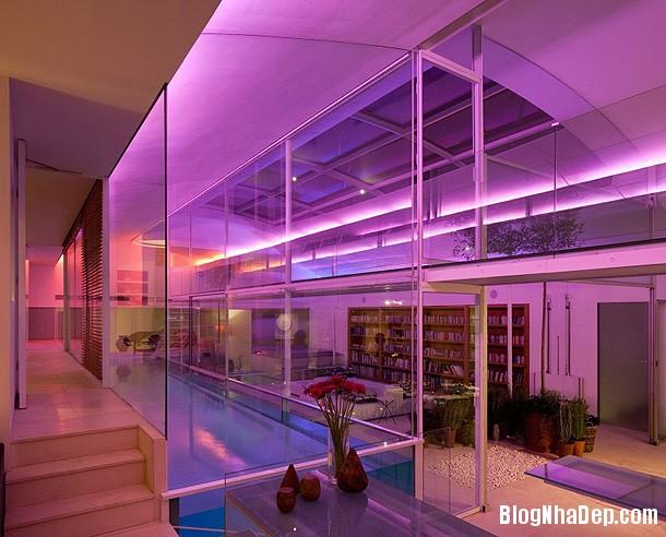 30f0f6972f05b746525014e93e22d069 Ngôi nhà bằng kính với thiết kế không gian mở hiện đại và thoáng đãng