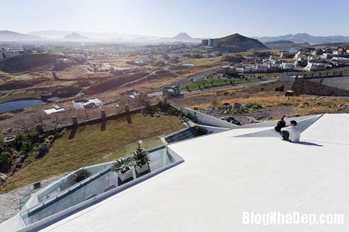 32aeede8d224bf96965c8ab6b8b9da55 Ngôi nhà với kiến trúc khá lập dị giữa lòng sa mạc bỏng rát của Mexico