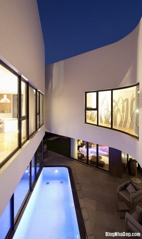 5c1d68b221bcd86f37362a0b30adec79 Ngôi nhà kết hợp hoàn hảo giữa kiến trúc của phương Tây và phương Đông