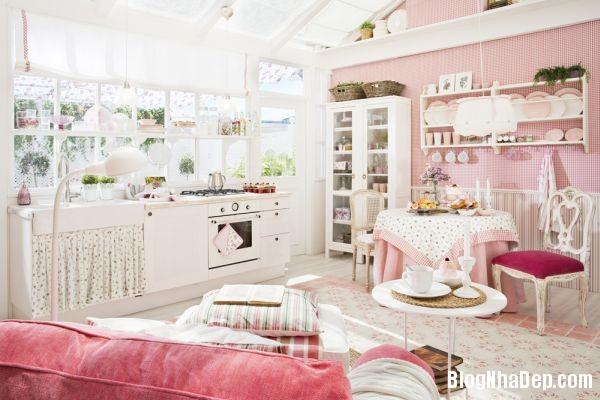 7473722a6fb3af791b7c4a929a8b828e Ngôi nhà màu hồng bước ra từ trong truyện cổ tích